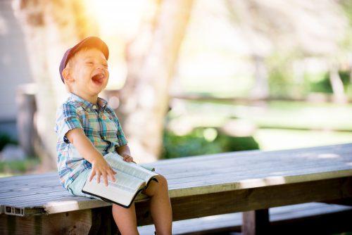 21 geniale Tricks – Geld sparen mit Kind