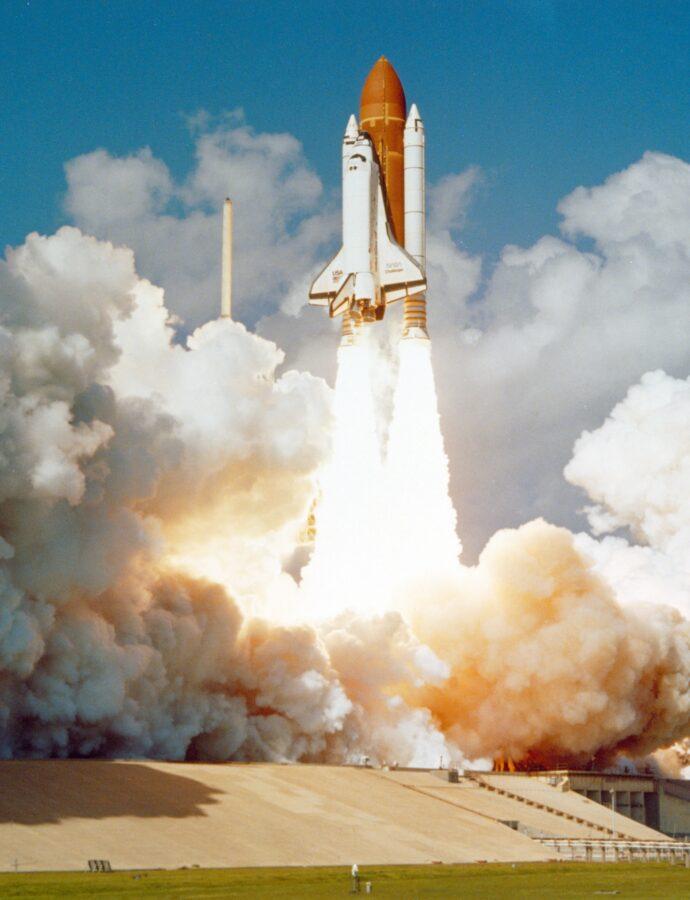 In den Weltraum investieren – Mit Aktien und ETFs